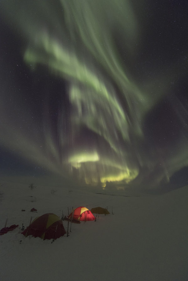 Bivouac sous les aurores en Laponie